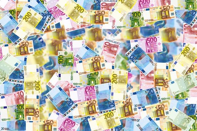 Finanzcheck Kredit - Sparen im Haushalt - Geld